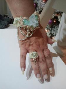 draagfoto blooming sand cuffs
