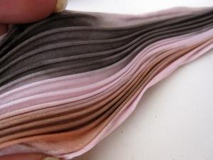 Pink gecombineerd met zwart en bruin. Prachtig bij Tijgeroog en Onyx