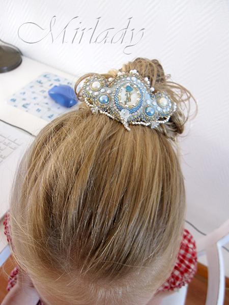 Holly Hobbie Hairpin 06